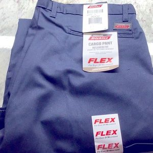 Authentic Dickies 36x32 cargo pants relaxed fit 😊